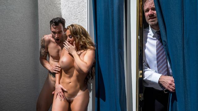 Pasif Kocasını Genç Erkekle Aldatan Orospu Fena Yakalanıyor